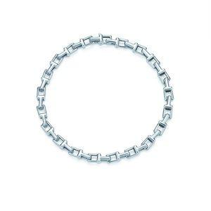Tiffany&CO T Narrow Chain Bracelet (M)